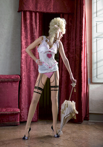 Strip-pantyMargot_LRG